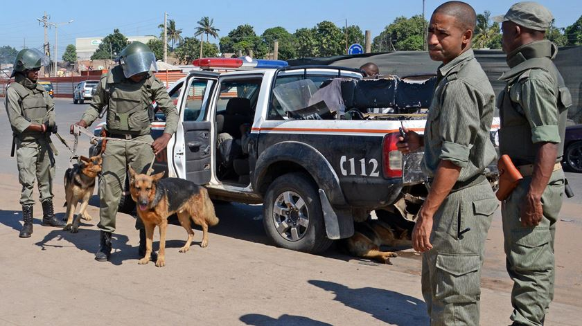 Reforço policial na última sexta-feira, em Maputo, devido à ameaça de manifestações. Foto: António Silva/Lusa