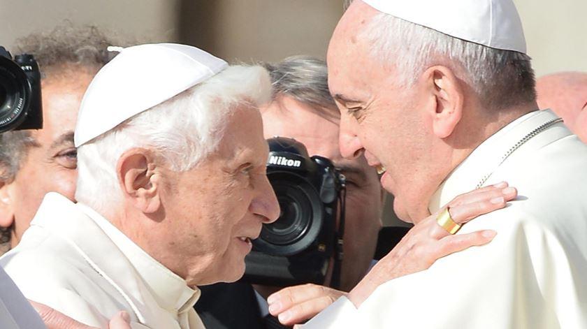 Papa Francisco elogiou Bento XVI num prefácio. Foto: Maurizio Brambatti/EPA