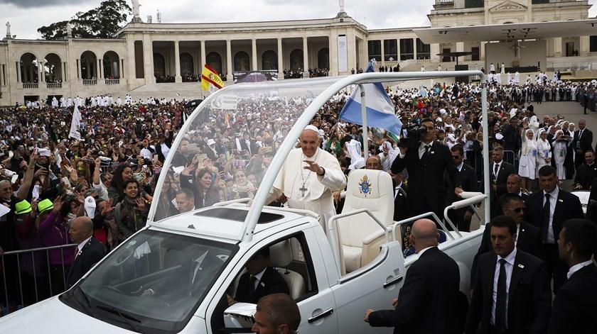 Papa na canonização dos pastorinhos. Foto: Joana Bourgard/RR