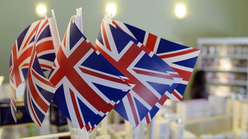 Britânicos vão a votos esta manhã. Foto: Maurizio Gambardi/EPA