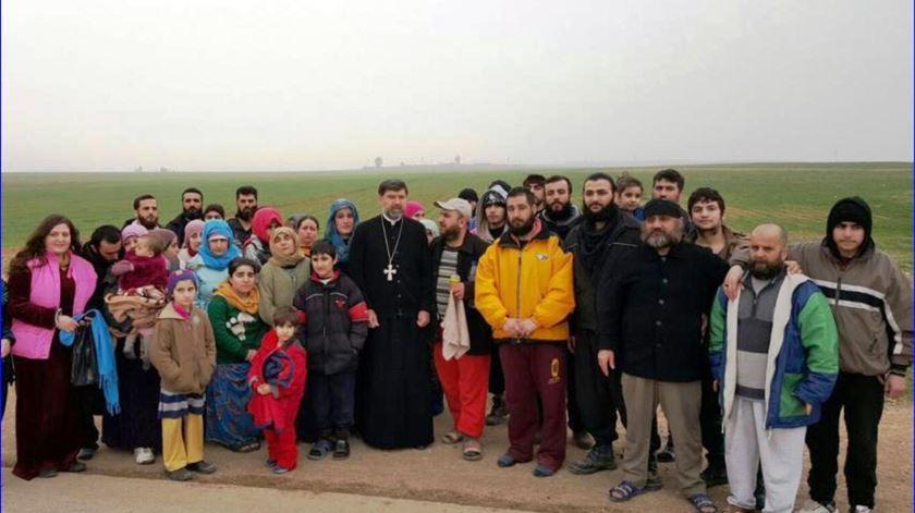 Cristãos assírios depois de libertados pelo Estado Islâmico. Foto: Igreja Assíria do Oriente