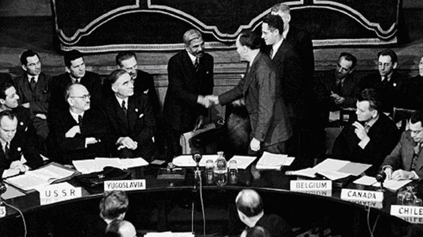 A primeira reunião do Conselho de Segurança da ONU, a 17 de Janeiro de 1946. Foto: DR