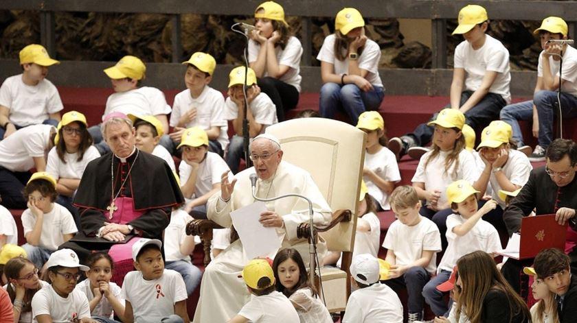 O Papa Francisco tem-se encontrado diversas vezes com crianças desde que foi eleito. Foto: Giuseppe Lami/EPA