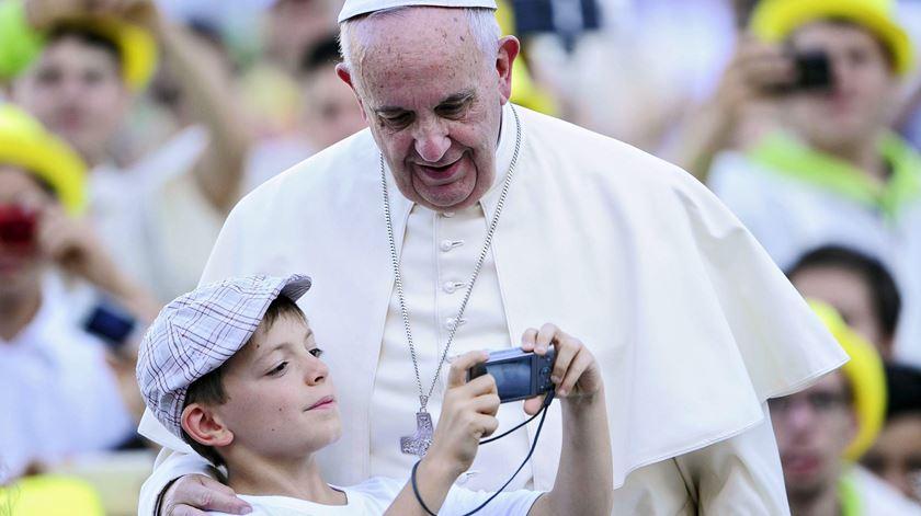 Francisco estreia-se em mais uma rede social. Foto: EPA