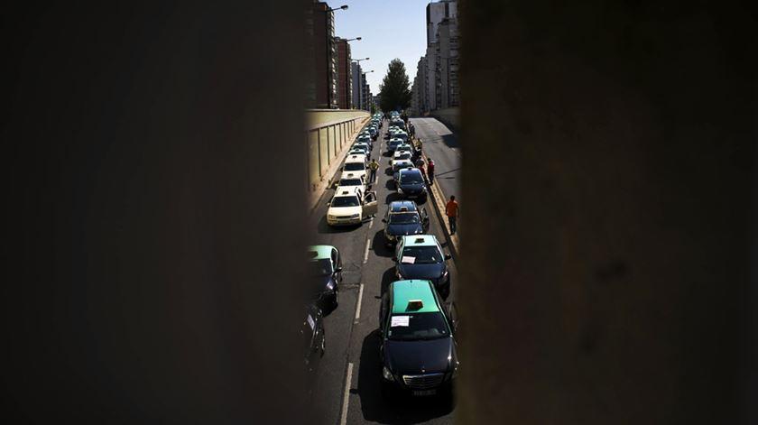 Actividade da Uber tem sido muito contestada pelos taxistas. Foto: Mário Cruz/Lusa
