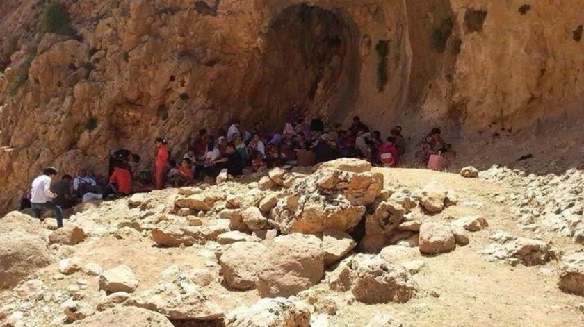 Yazidis refugiados no Monte Sinjar na altura do genocídio levado a cabo pelo Estado Islâmico. Foto: DR