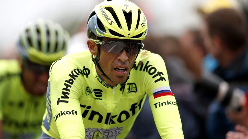 Alberto Contador desistiu da Volta a França. Foto: Kim Ludbrook/EPA
