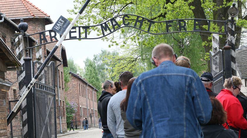 Entrada do campo de concentração de Auschwitz