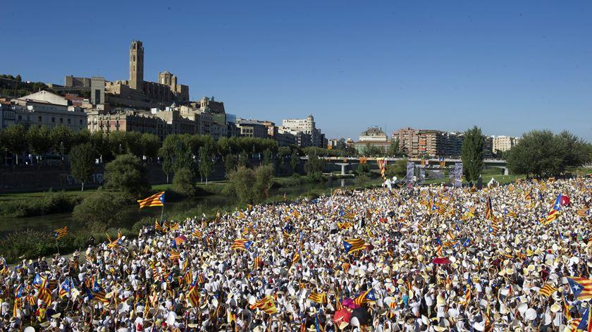 Barcelona foi palco da maior manifestação do Dia da Catalunha. Foto: Marta Perez/EPA