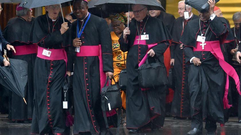 Bispos lamentam que não tiveram tempo para discutir tudo o que queriam. Foto: Ettore Ferrari/EPA