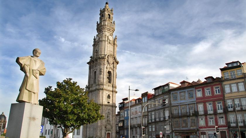 Há um antes e um depois do restauro da Torre dos Clérigos. Foto: DR
