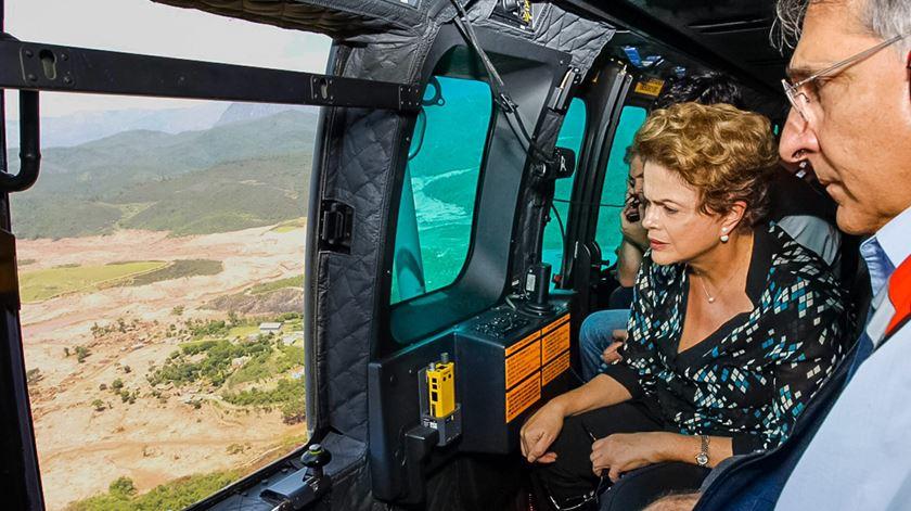 Dilma Rousseff sobrevoou a área. Foto: Roberto Stuckert Filho/EPA