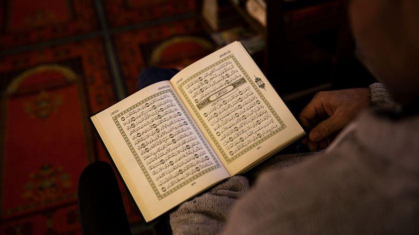 Encontro inter-religioso organizado pela Comunidade Islâmica de Lisboa, em 2015, na Mesquita Central de Lisboa. Foto: Joana Bourgard/RR (arquivo)
