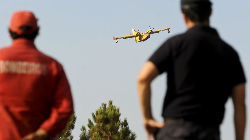 Meios aéreos reforçados este verão. Foto: Arménio Belo/Lusa