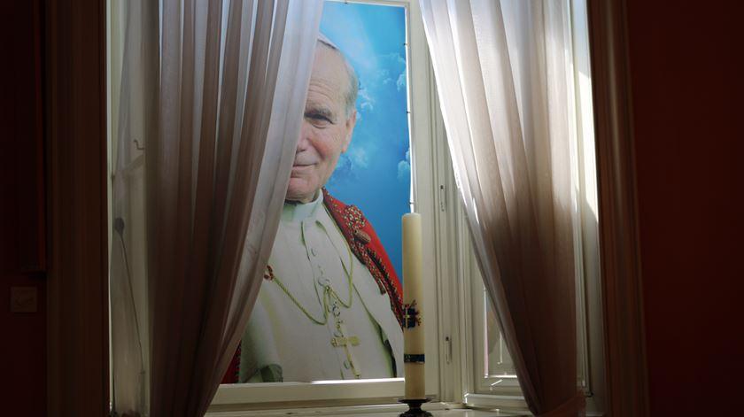 Janela do Palácio dos Bispos, de onde João Paulo II discursava aos jovens