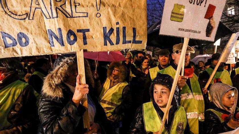 Manifestação contra a eutanásia na Bélgica em 2014. FOto: Julien Warnand/EPA