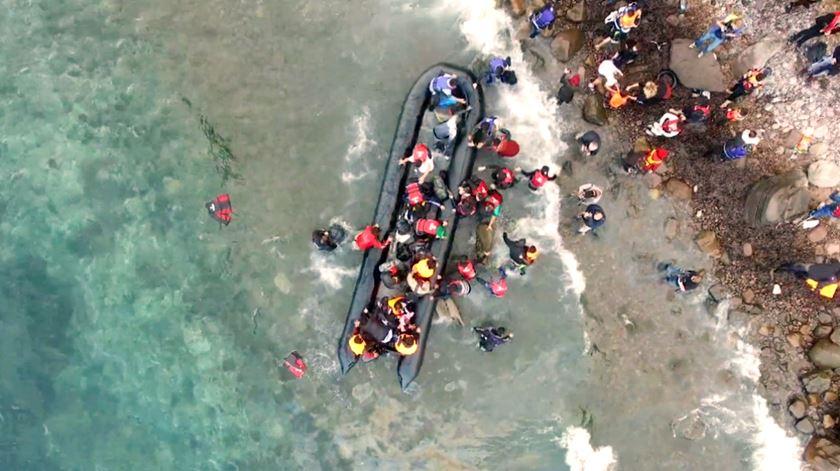 Refugiados chegam a Lesbos. Foto: DR
