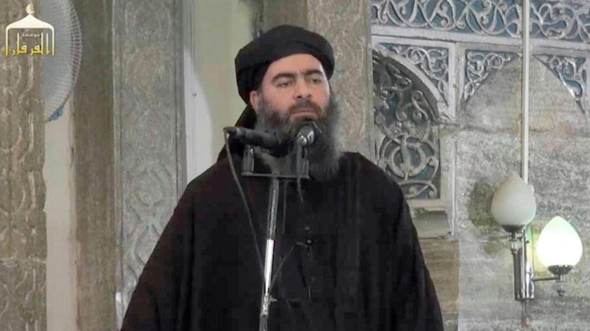 Abu Bakr al-Baghdadi na mesquita onde foi declarado o Estado Islâmico, agora reconquistada. Foto: DR