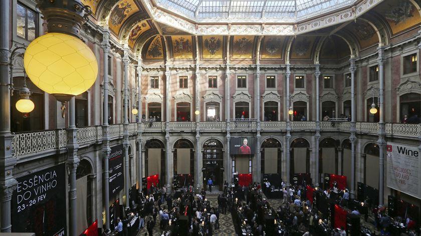 Palácio da Bolsa, palco da apresentação do estudo da UMinho. Foto José Coelho Lusa
