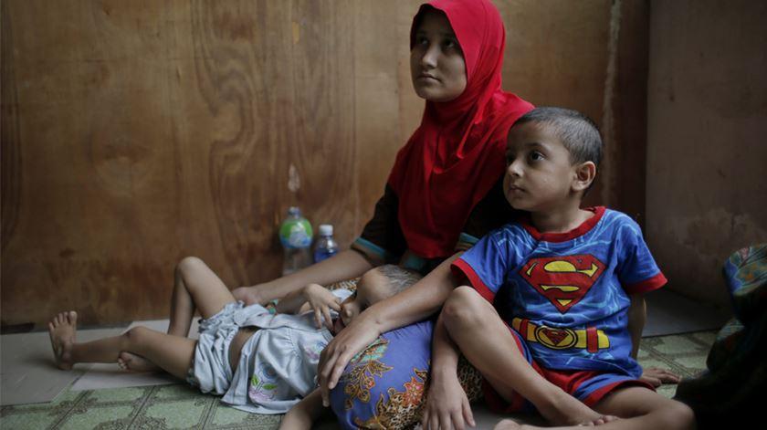 Refugiados da minoria rohingya na Malásia. Foto: Fazry Ismail/EPA