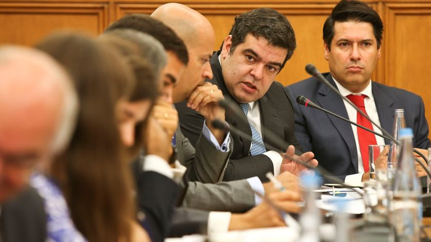 "Rocha Andrade vai ao Parlamento responder sobre caso dos ""offshores"". Foto: Miguel A. Lopes/Lusa"