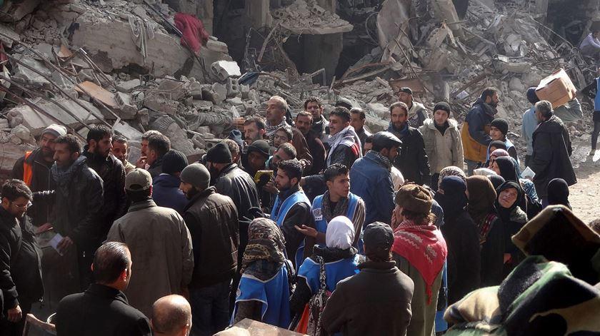Campo de refugiados na Síria, um sinal da destruição que se tem abatido sobre o país. Foto: Sana/EPA