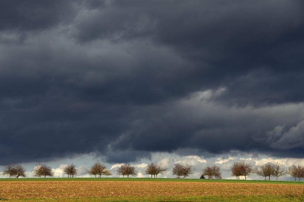 Vem aí chuva forte, vento com rajadas e queda de granizo. Foto: EPA