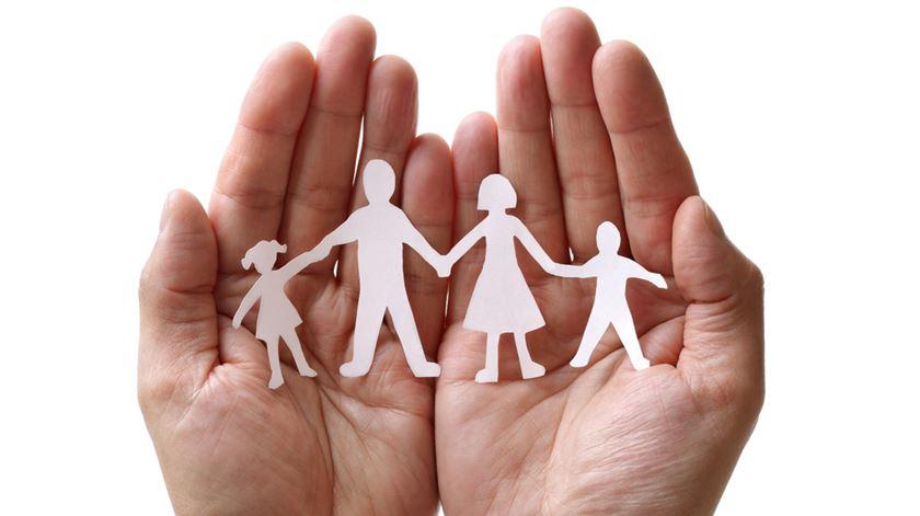 A adopção deve ter por objectivo reconstituir a família biológica, diz Miguel Gorjão Henriques. Foto: DR